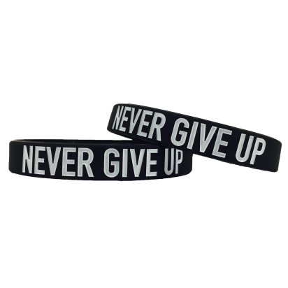 Never-Give-Up-Motivational-Wristband_2000x